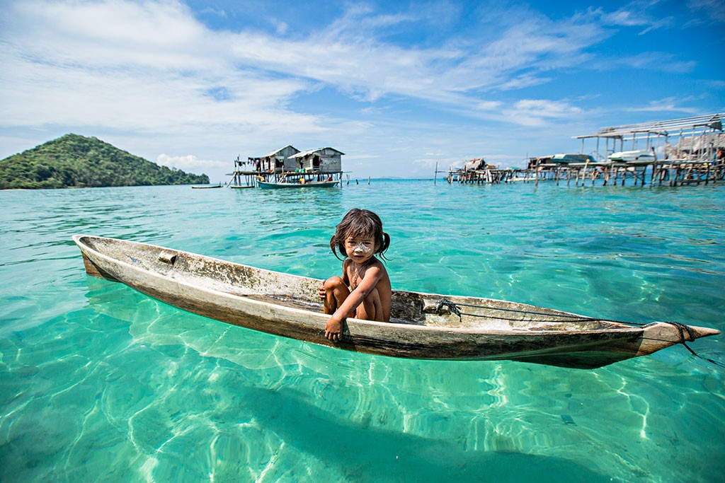 A JOURNEY IN BORNEO WITH SEA NOMADS