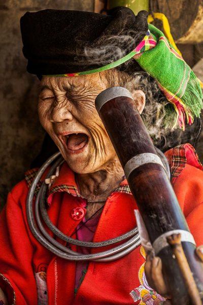 Hmong lady smoking vietnam